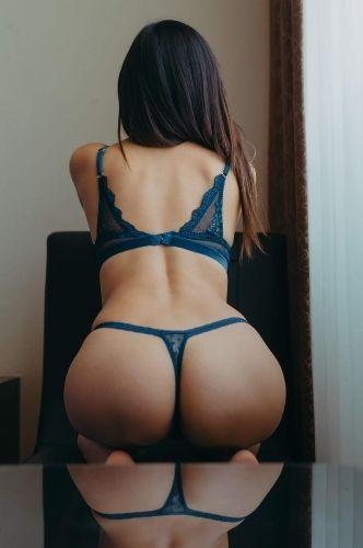 Me llamo Azul, tengo 28 años, trato de novios, discreta, me gusta vestirme muy sexy para ti y tengo dos grandes aatributos con los que te puedo hacer pasar un delicioso momento. ¿Te animas? ❤️  También pregunta por los servicios ejecutivos.  WhatsApp 55 69006013